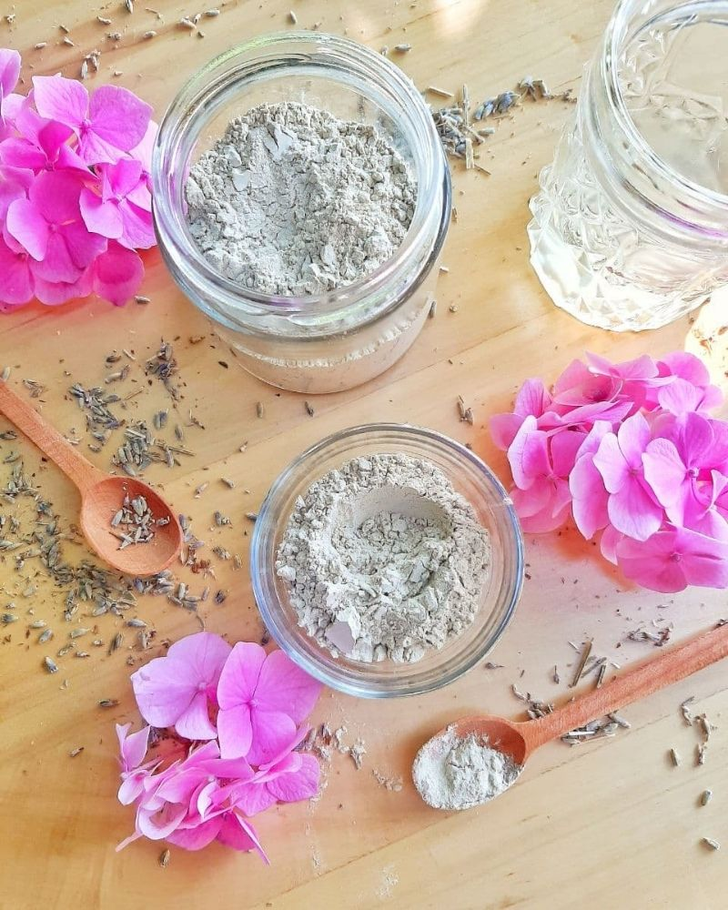 bentonite clay for face mask