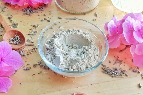 DIY bentonite clay face mask recipe