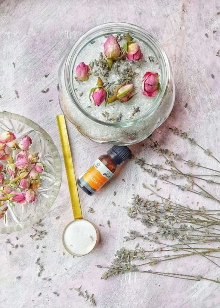 Adding essential oils to bath