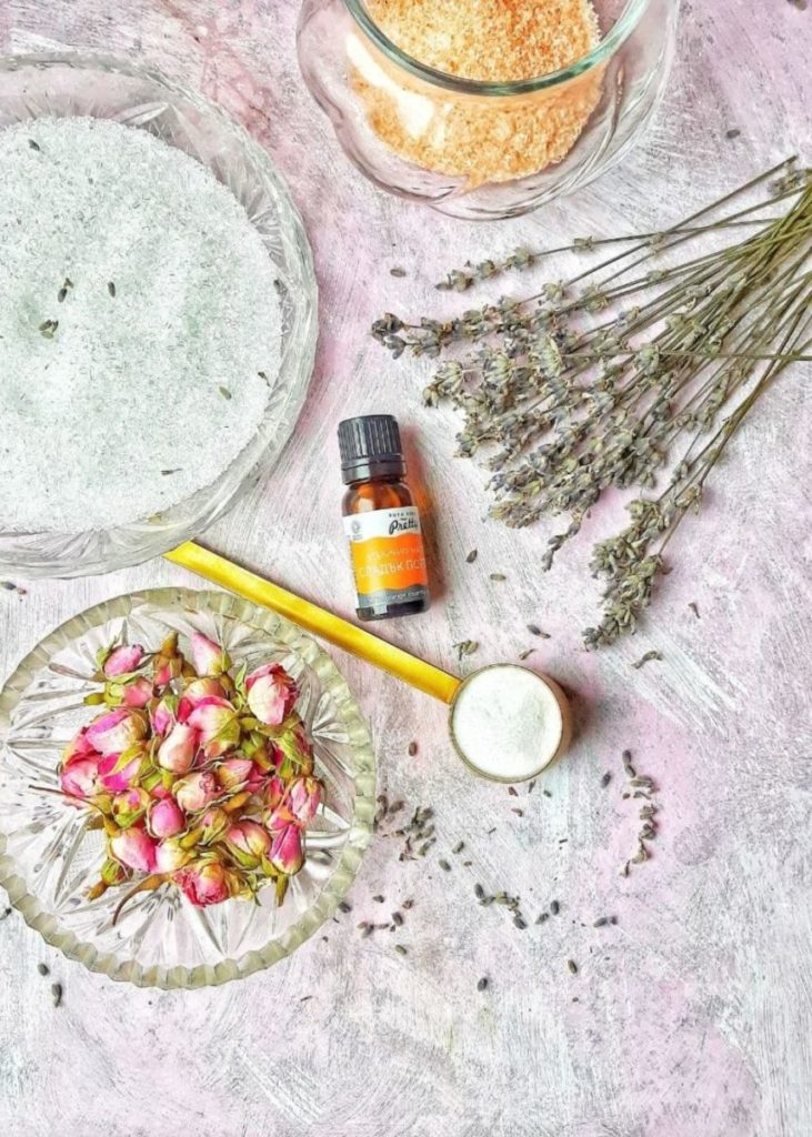 Epsom salt bath with essential oils
